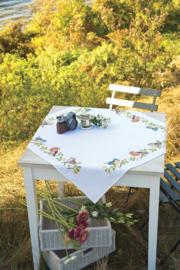 Vogels in de tuin Aida tafelkleed met telpatroon Vervaco