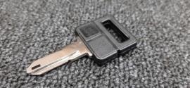 Blank key for various Peugeot models