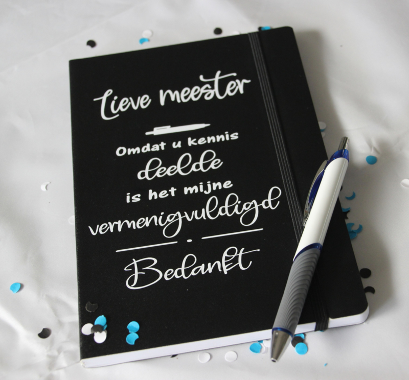 Notitieboek + pen  'Kennis delen en vermenigvuldigen'
