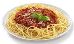 Spaghetti  met saus met varkensgehakt.