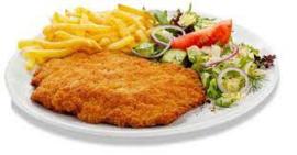 Patat groot bord met een schnitzel varken inc. mayonaise of ketchup