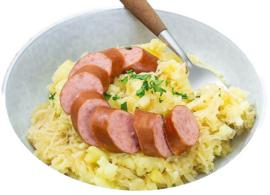 Stamppot zuurkook met een  varkens gehaktbal, rookworst of stoofvlees varken