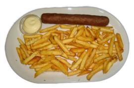 Patat groot bord met een fricandel  inc. mayonaise of ketchup