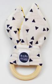 Konijnenoortjes triangle (wit) met okergele  wafel