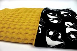 Wiegdeken panda abstract met okergele wafel