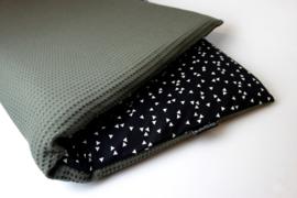 Boxkleed legergroene fijne wafel met triangle (zwart/ wit)