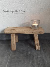 Authentieke houten vensterbankkrukje S