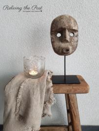 Oud masker op statief S