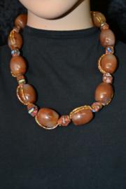 Handgemaakte halsketting.