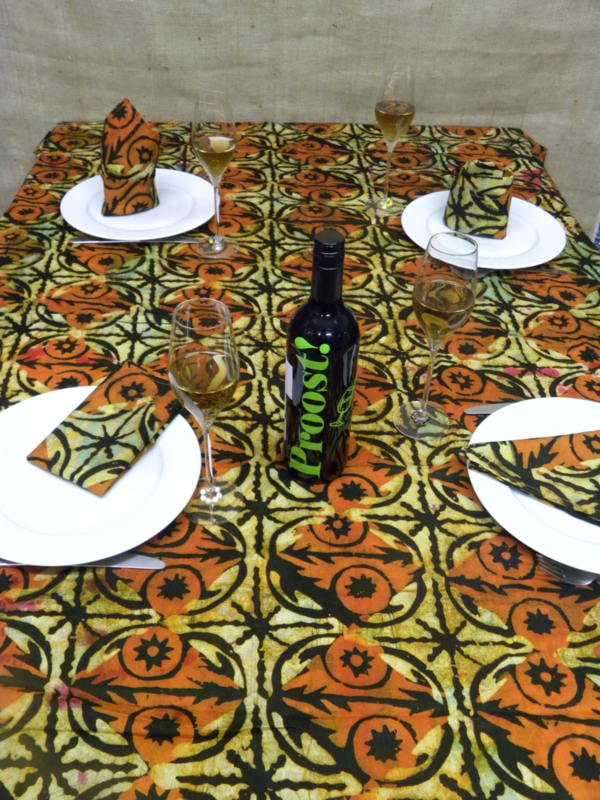 Tafelkleed Kumasi incl. 6 servetten.
