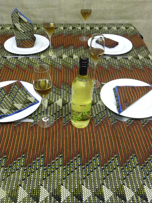 Tafelkleed Kintampo incl. 6 servetten.