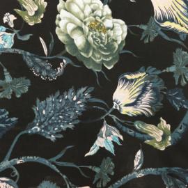 B*: Zwart-blauw bloemen
