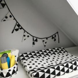 Aankleedkussenhoes wit&zwart|driehoek&stip