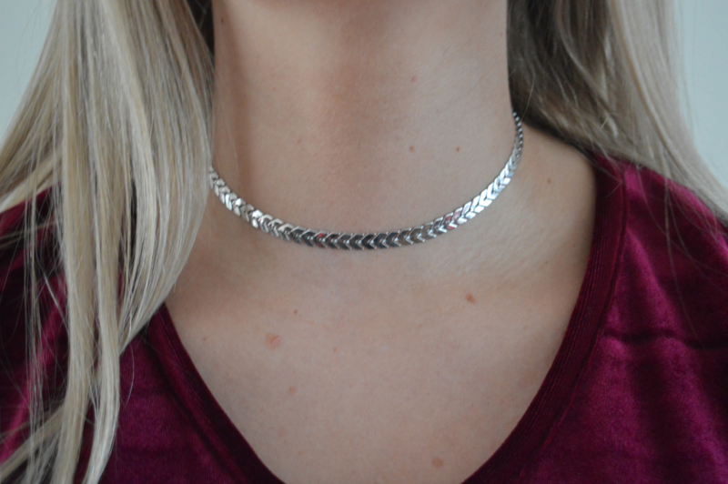 Feather choker silver