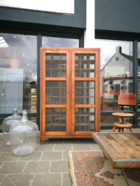 Wooden pigeonhole cabinet