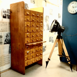 Vintage wooden drawercabinet