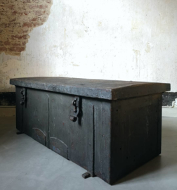 Montigny gunner transport chest