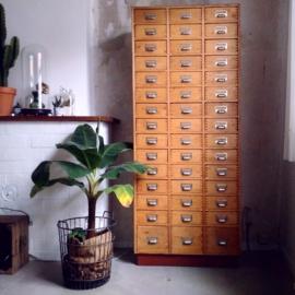 Vintage drawer cabinet