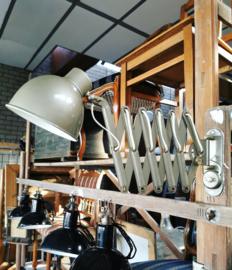 Bauhaus style scissor lamp