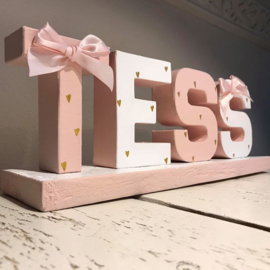 Blokletters: cute pink with hearts and bows