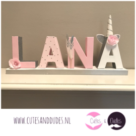 Blokletters: pink unicorn