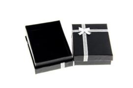 Cadeauverpakking ketting zwart