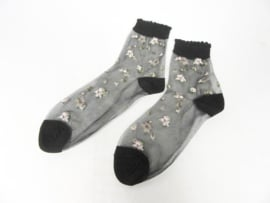 ANKLE SOCKS WITH LITTLE FLOWERS