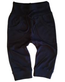 broekje zwart met strik en zakken