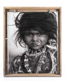 'Young village girl' in houten frame