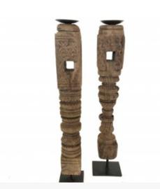 Houten kandelaar op ijzeren voet - hoog 62 cm