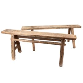Rustiek oud houten bankje