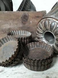Antieke tartelettevormpjes 8,5x1,5cm.