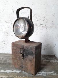 Oude werklamp