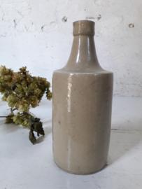 Antieke gres fles