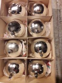 8 kerstballen