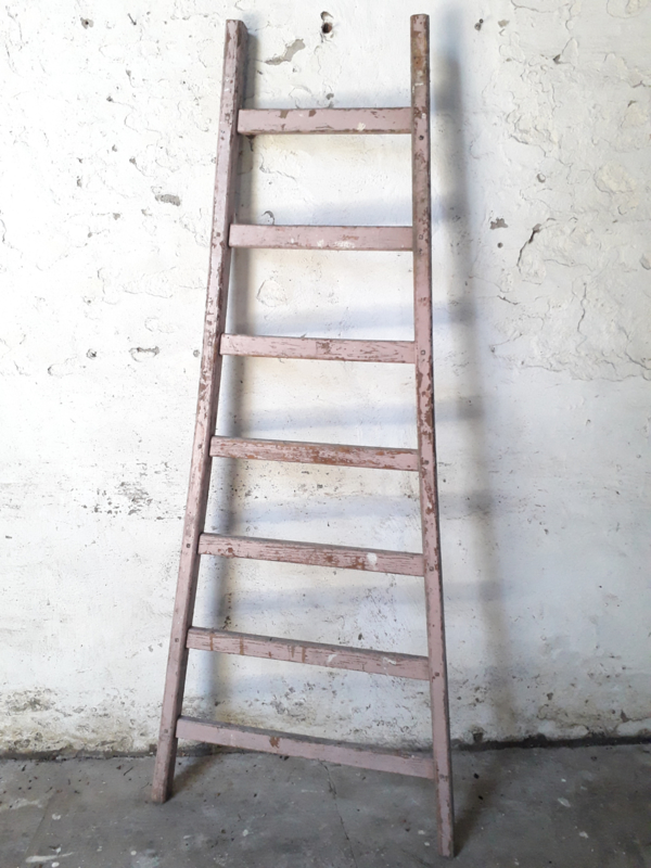 Ladder oud roze 176cm.