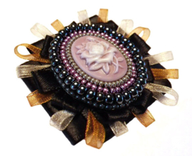 Bead embroidery broche 'Wild Rose'