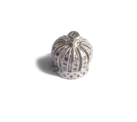14 mm x 13 mm zilverkleur  kralenkapje met zirkonia 1 st.