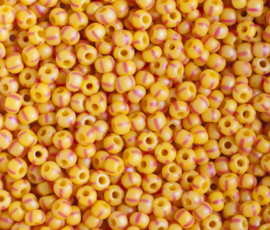 Tsjechische PRECIOSA Rocailles 8/0 39001/84970  geel met streepjes 50 g.