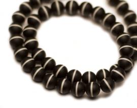 """Onyx zwart met een witte streep """"Frosted"""" 8 mm"""