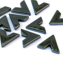 Hematiet V vorm kralen 16 x 16 x 16 mm