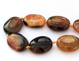 Agaat ovaal zwart-oranje ca. 20 x 15 x 6 mm