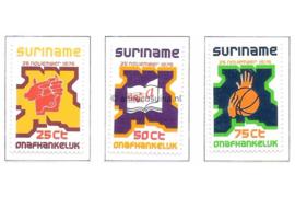Zonnebloem 1-3 Postfris Onafhankelijkheid Suriname 1975