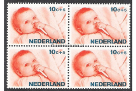 Nederland NVPH 870 Postfris (10 + 5 cent) (Blokje van vier) Kinderzegels, levensstadia kinderen 1966