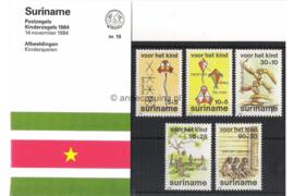 Republiek Suriname Zonnebloem Presentatiemapje PTT nr 10 Postfris Postzegelmapje Kinderzegels met toeslag ten bate van het kind 1984