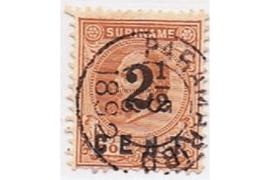 Suriname NVPH 21 Gestempeld FOTOLEVERING Hulpuitgifte. Frankeerzegel van de uitgifte 1873-1889, overdrukt in zwart 1892
