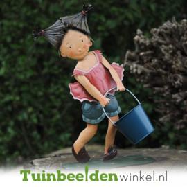 Metalen figuur ''Het meisje met de emmer'' TBW12074
