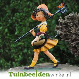 Metalen figuur ''Het wandelende meisje'' TBW12092