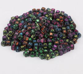400 stuks vierkante kralen zwart met gekleurde cijfers