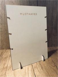 Houten display voor kettingen met tekst 'musthaves' 26x19 cm